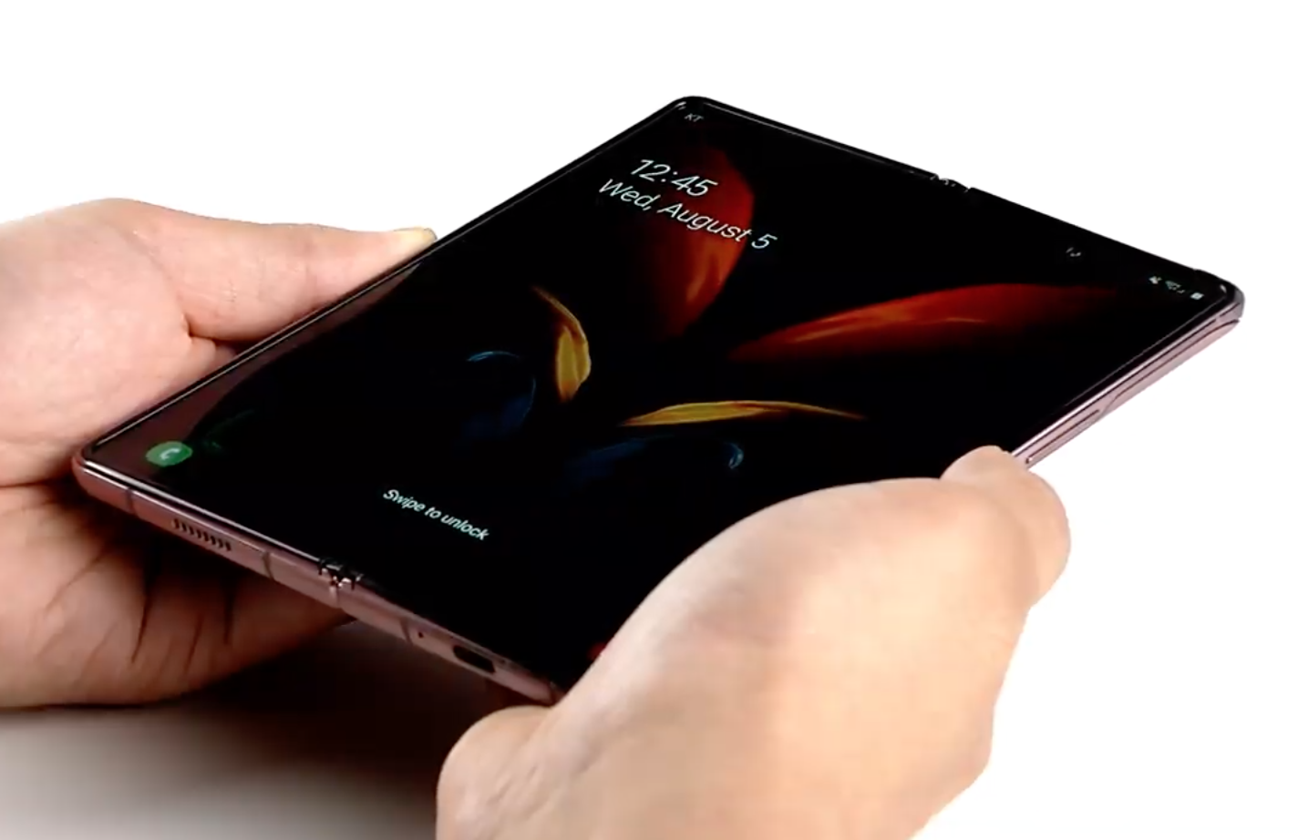 Video review design the Samsung Galaxy Z Fold2 from different ...